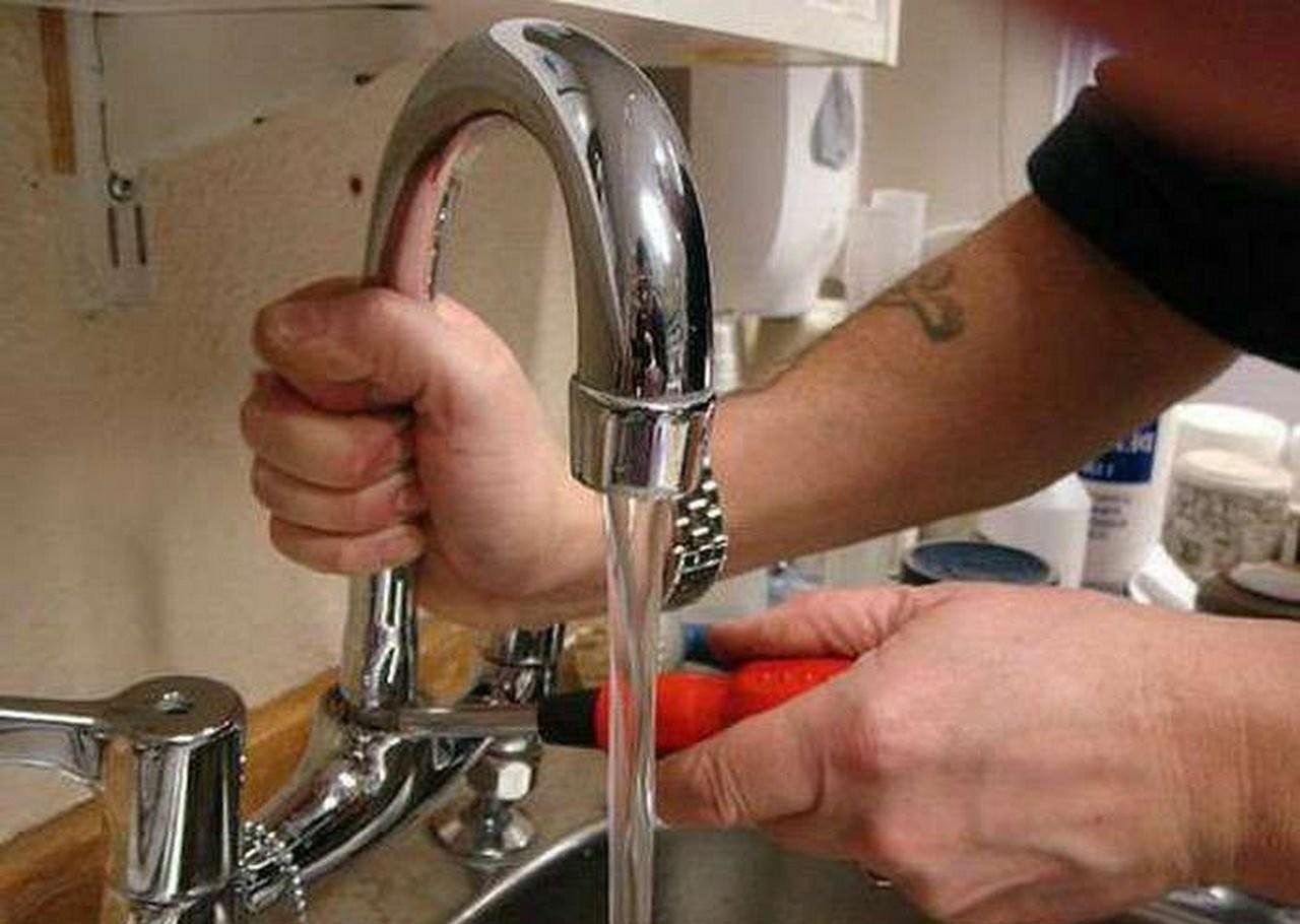 Сантехник оказываем услуги