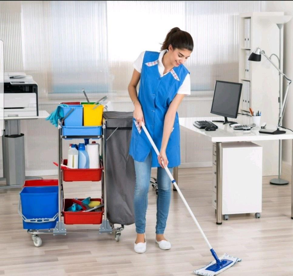 Уборка квартир, офисов и различных помещений оказываем услуги